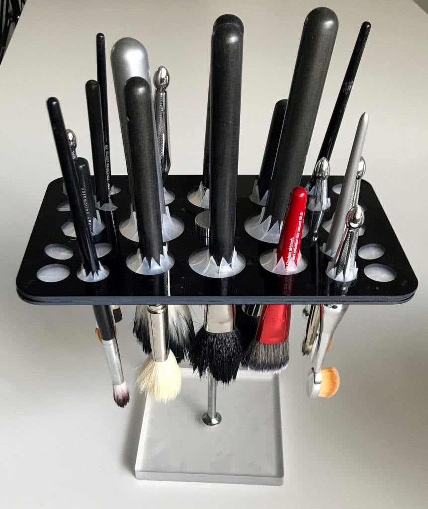 Best makeup brush drying rack